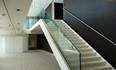 Menuiserie_aluminium_Escalier_metallique_garde_corps_vitre_Chanel_mini.jpg